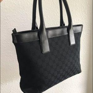 ✳️SOLD✳️Gucci Black Zip Too Handbag
